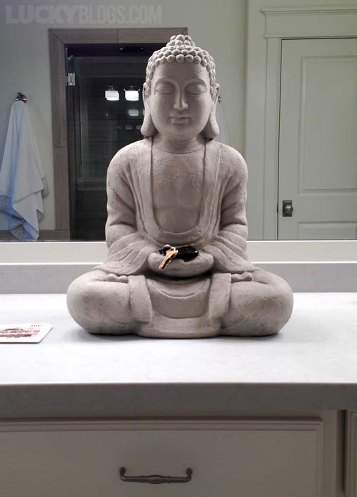 dream-home-decorating-ideas-buddah-bathroom-statue