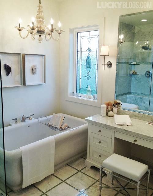 dream-home-decorating-ideas-master-bath-tub-chandelier
