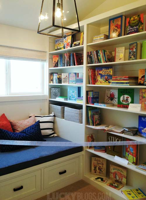dream-home-decorating-ideas-reading-nook-seat-shelves